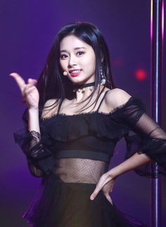 Find images and videos about twice and tzuyu on We Heart It - the app to get lost in what you love. Nayeon, Kpop Girl Groups, Korean Girl Groups, Kpop Girls, Tzuyu Body, Sana Cute, Divas, Chou Tzu Yu, Twice Kpop