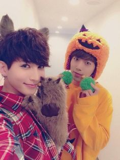 U-Kiss Kiseop woof and Hoon-kin