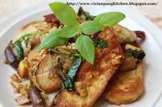 Vivian Pang Kitchen: Stir Fried King Oyster Mushroom with Tofu in 3 cups Chicken(三杯雞) Style