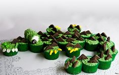 alligator cupcake creation