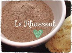 Le Rhassoul purifie la peau, élimine les points noirs et resserre les pores. Il donne également du volume aux cheveux fatigués. A appliquer en masque régulièrement.