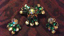 Classic Antique 4 Tiered Celebrity Emerald Green Rhinestone Brooch & Earrings