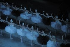 Dal 17 al 22 #settembre al #TeatroSanCarlo torna un classico del balletto: #ilLagodeiCigni, capolavoro di Cajkovskij, coreografie di Petipa e Ivanov. In scena sarà la Compagnia di Balletto del Teatro Mariinsky di San Pietroburgo, annoverata tra le più famose della storia. Un evento irrinunciabile per gli appassionati della danza! Info e biglietti qui: http://www.teatrosancarlo.it/play/show/stagione20122013/il-lago-dei-cigni #ilPalcoscenicodelMondo