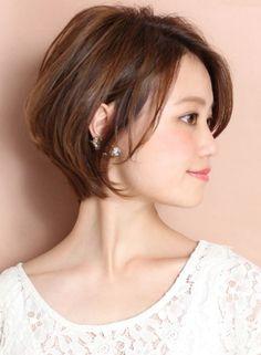 ひし形シルエットがフェミニンなショートボブ♡ リラックスボブの髪型一覧。