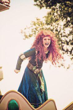 "Merida touches the sky in Magic Kingdom's Festival of Fantasy Parade. ""Chase the wind and touch the sky. Disney Fanatic, Disney Nerd, Disney Addict, Disney Love, Disney Magic, Disney Parks, Walt Disney, Disney Princess, Merida Disney"