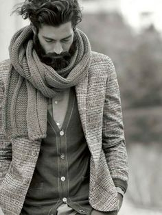 gentleman style with winter scarf Mode Masculine, Masculine Energy, Sharp Dressed Man, Well Dressed Men, Gentleman Mode, Dapper Gentleman, Older Gentleman Style, Moda Blog, Look Man