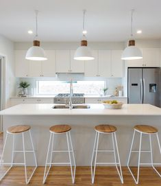 37 Gossip, Deception And Classy Kitchen Bar Stools Addition To Your Kitchen 31 - homevignette Home Decor Kitchen, Kitchen Interior, New Kitchen, Interior Design Living Room, Home Kitchens, Kitchen Dining, Kitchen Ideas, Kitchen Soffit, Interior Livingroom