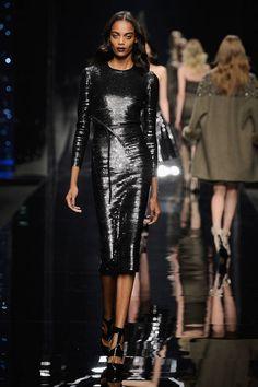 Milano Moda Donna AI 2015/2016: la sfilata di Scervino | Abito nero lucido | Foto