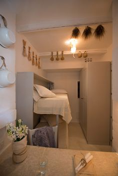 """Casetta Splendida (90 square meters) Spacious two-story casetta (""""little house"""") reminiscent of the traditional apartments found in rural Apulian towns. Ideal for: couples wanting extra space or families with one or two children."""