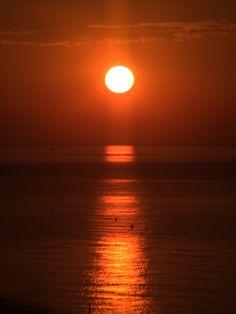 Amanecer del 1-9-2016 frente al Xiprer de Canet de Mar www.xiprer.com