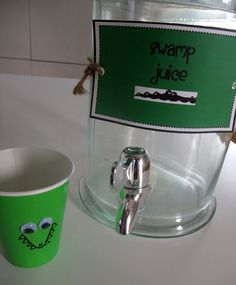"""Swamp Theme Decorations 