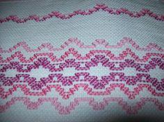 O bordado vagonite é um bordado muito simples de fazer e que fica muito bonito, e também muito rápido, é uma ótima opção para quando precisamos presentear