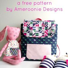 A free sewing tutorial for a toddler backpack pattern, a cute backpack sewing pattern that is miniature sized and perfect for kids and toddlers. Mini backpack sewing patterns, tutorials, and ideas. Bag Pattern Free, Bag Patterns To Sew, Sewing Patterns Free, Free Sewing, Sewing Tutorials, Sewing Projects, Apron Patterns, Sewing Kits, Bag Tutorials