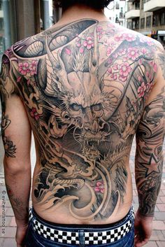Tattoo Artist - Johan Finné - dragon tattoo