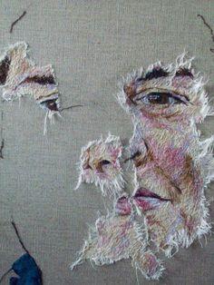 L'artiste du vendredi : Emily Tull Art Fibres Textiles, Textile Fiber Art, Textile Artists, Art Haïda, Ap Art, Advanced Higher Art, Portrait Embroidery, Textiles Sketchbook, Abstract Embroidery