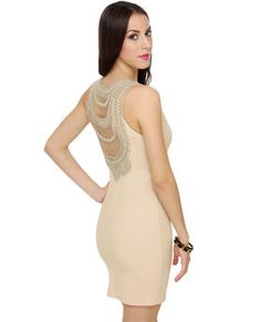 In love with the back of this. The color? Enh.