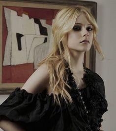 avril lavigne   Tumblr *Avril Lavigne - all for beauty ->>>   http://fas.st/1m_YV7