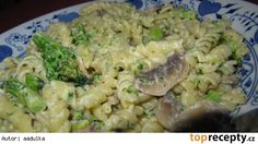 Pasta with mushrooms and broccoli - Pasta with mushrooms and broccoli - Broccoli Pasta, Mushroom Pasta, Cooking Recipes, Healthy Recipes, What To Cook, Pasta Salad, Pesto, Risotto, Salads