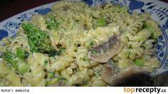 Těstoviny s žampiony a brokolicí