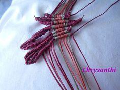 ΕΝΑ ΙΔΙΑΙΤΕΡΟ ΣΧΕΔΙΟ   kentise Macrame Art, Micro Macrame, Macrame Tutorial, Textiles, Macrame Bracelets, Handmade Bags, Projects To Try, Beads, Crochet