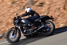 2017 Triumph Street Cup First Ride Test | 11 Fast Facts