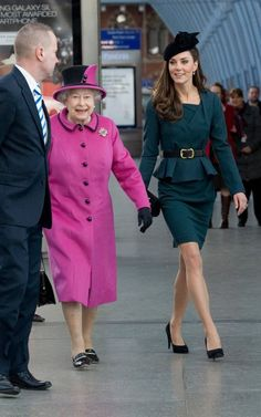 If you ignore the queen, who doesn't look bad either, Kate looks so freakin amazing I can't believe it.  That girl has some serious style