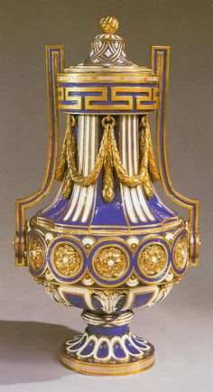 French Sevres Vase and cover 1765 Porcelain, height 48,5 cm Wallace Collection, London