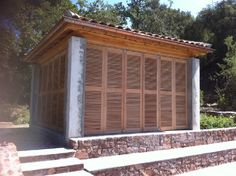 volet coulissant pliant Le Muy - Fabrication de volet en bois persiennes à Marseille - Boiseries Provencales
