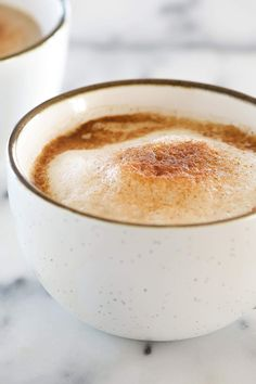 Homemade Cinnamon Dolce Latte Recipe is the best way to sip a coffeehouse favorite from the comfort of your own home! Made lighter with coconut sugar, homemade cinnamon syrup, and milk! Ninja Coffee Bar Recipes, Tea Recipes, Sweet Recipes, Drink Recipes, Breakfast Recipes, Cappuccino Recipe, Latte Recipe, Starbucks Cinnamon Dolce Latte, Cinnamon Dolce Syrup