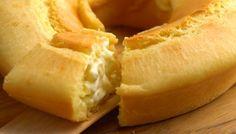 """Bolo de pão de queijo recheado de (muito) requeijão: versão """"gigante"""" é deliciosa"""