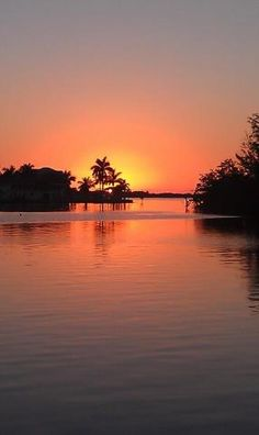 Sanibel Island Sunset....starting to save...will be our first family vacation next summer:)