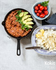 Nopea arkiruoka: meksikolainen linssipata suklaalla | Kokit ja Potit -ruokablogi My Recipes, Vegan Recipes, Vegan Meals, Bon Appetit, Beef, Cooking, Food, Meat, Kitchen
