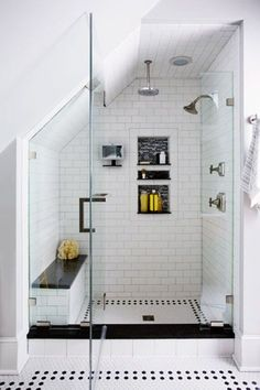 Cool Attic Bathroom. www.rilane.com