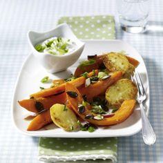 Kürbis und Kartoffeln vom Blech Rezept | LECKER
