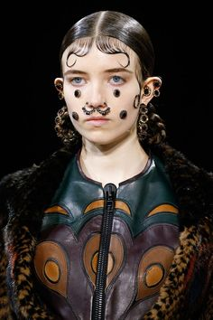 Looks From PFW Fall 2015: Givenchy #makeup #fashion