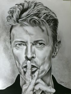 Corinne Morange - Portrait de David Bowie réalisé au graphite (mine et poudre) et à la pierre noire - 2014