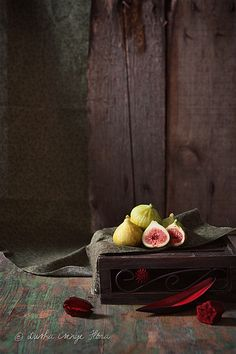 Tiny warm figs from Csenge Dusha's Photostream