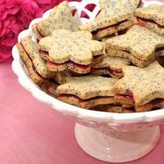 Poppy-seed cookies / Mohnkekse - Recipe in German Galletas Cookies, Xmas Cookies, Seed Cookies, Protein Snacks, Healthy Snacks, Healthy Recipes, Cookie Salad, Cookie Recipes, Snack Recipes