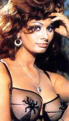 Sophia Loren - ageless!