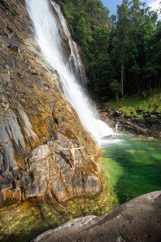 West Mulgrave Falls - FNQ's Best-Kept Secret - Cairns Hiking Guide – We Seek Travel Blog Australian Bush, Hiking Guide, Best Kept Secret, Photography Accessories, Cairns, Bouldering, Sailing, Waterfall