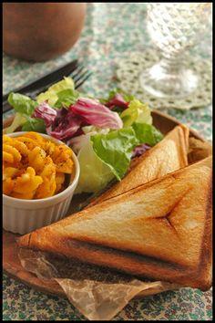 「プレート サンド」の画像検索結果 Breakfast In Bed, Morning Food, Cantaloupe, Yummy Food, Bread, Plates, Fruit, Cooking, Ethnic Recipes