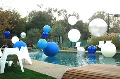 Big balloons in pool, weighted, tied with fishing line so they look like they are floating in air. Shower Party, Baby Shower Parties, Grad Parties, Birthday Parties, Diy Party, Party Ideas, Big Balloons, Photo Couple, Event Themes