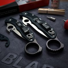 Awesome Signet Rings from Wise Men Co. Turn your Spyderco into a Karambit!