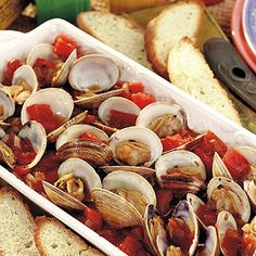 Discover great recipes, tips & ideas! The MyGreatRecipes app gives you inspiration to shop & cook delicious food for family and friends every day of the week! Clam Recipes, Shrimp Recipes, Copycat Recipes, Seafood Dishes, Fish And Seafood, Joe Crab, Crab Trap, Steamed Clams, Great Recipes