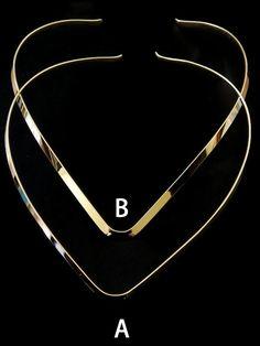 GVCO -A Gargantilla en V, A mediana en chapa de oro 14k, medida alto 14cm ancho 3mm, precio x pieza $42 pesos, precio 6 piezas $40, precio 12 piezas $38