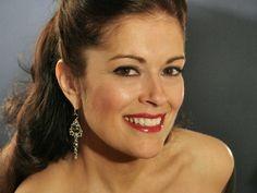 """Jennifer Larmore - (1958 - ) American Mezzo-Soprano Opera Singer -  Handel's """"Ombra mai fu"""" - Xerxes"""