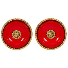 Pre-Owned 1970s Chanel Red Clover Earrings ($499) ❤ liked on Polyvore featuring jewelry, earrings, red jewellery, red earrings, clip earrings, round earrings and preowned jewelry