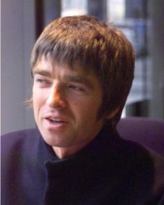 Noel Gallagher Definitely Maybe, Noel Gallagher, Playing Guitar, Rock Bands, Oasis, The Man, Hair Cuts, Singer, Life