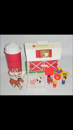 Fisher price farms 80s/90s toys im a girl and i still played with them C: