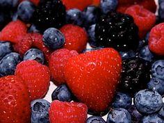 Emiten acuerdo para proteger producción de #uvas y #frutillas